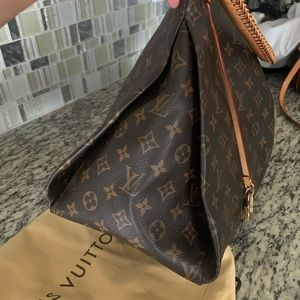 Louis Vuitton Artsy MM -Excellent Condition